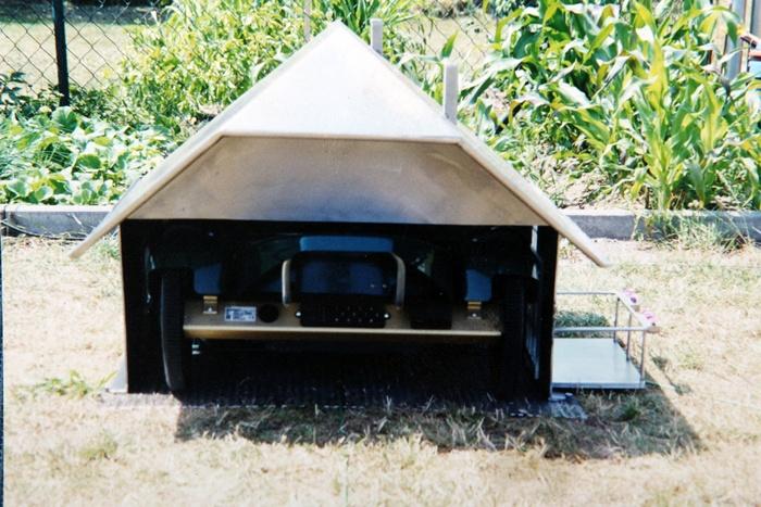 edelstahlprodukte edelstahl rasenroboter haus. Black Bedroom Furniture Sets. Home Design Ideas