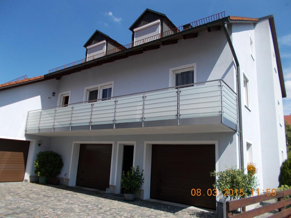 balkone balkon edelstahlrohr mit plexiglas sichtschutz. Black Bedroom Furniture Sets. Home Design Ideas